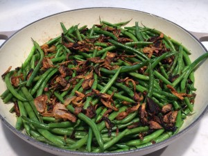 green beans with fried shallots